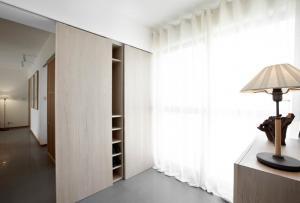 Walk In Wardrobes - Sliding Wardrobes - Beautiful bedroom