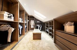 Walk in Wardrobes -