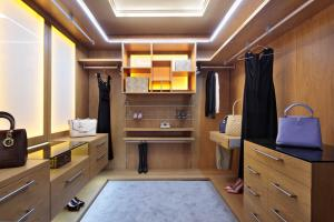 Walk-in Wardrobes designed in the UK