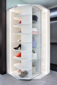 Wardrobe revolving shoe storage solution